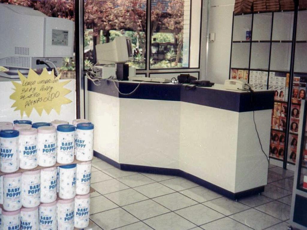 interior-de-loja-Balcoes-04