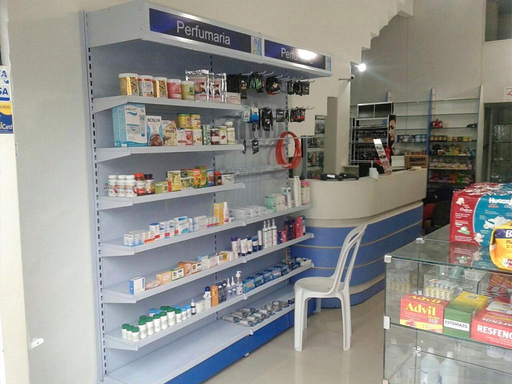 interior-de-loja-Prateleiras-03